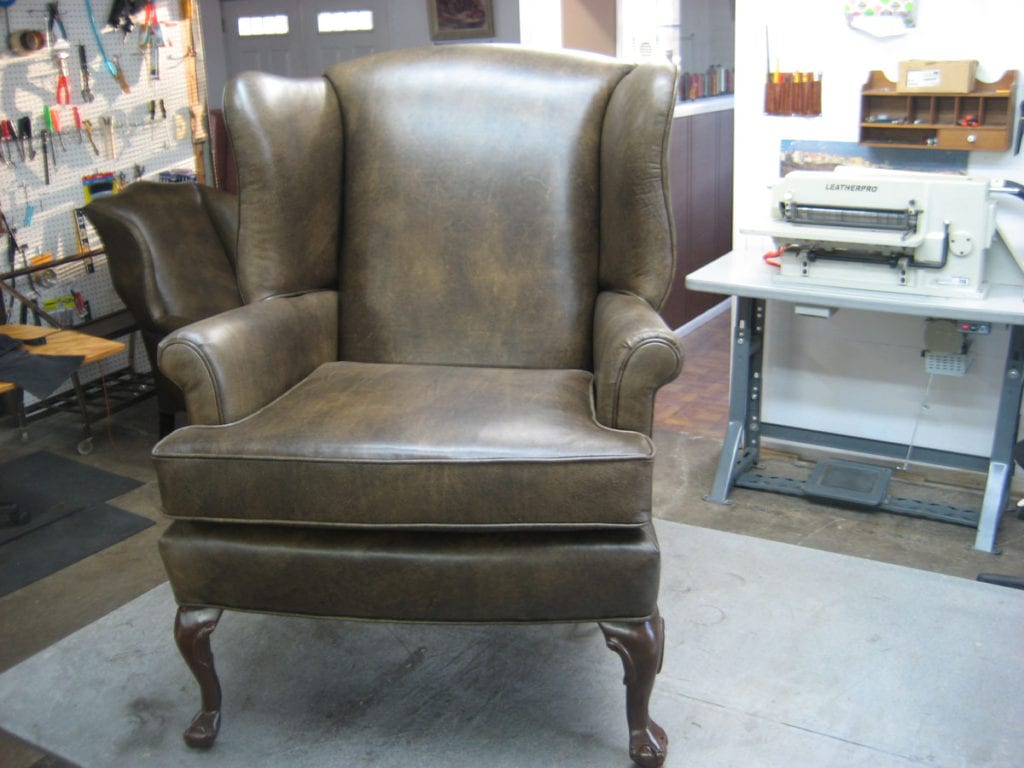 Luxurious Crown Seat Upholstery Using Leather Upholstery