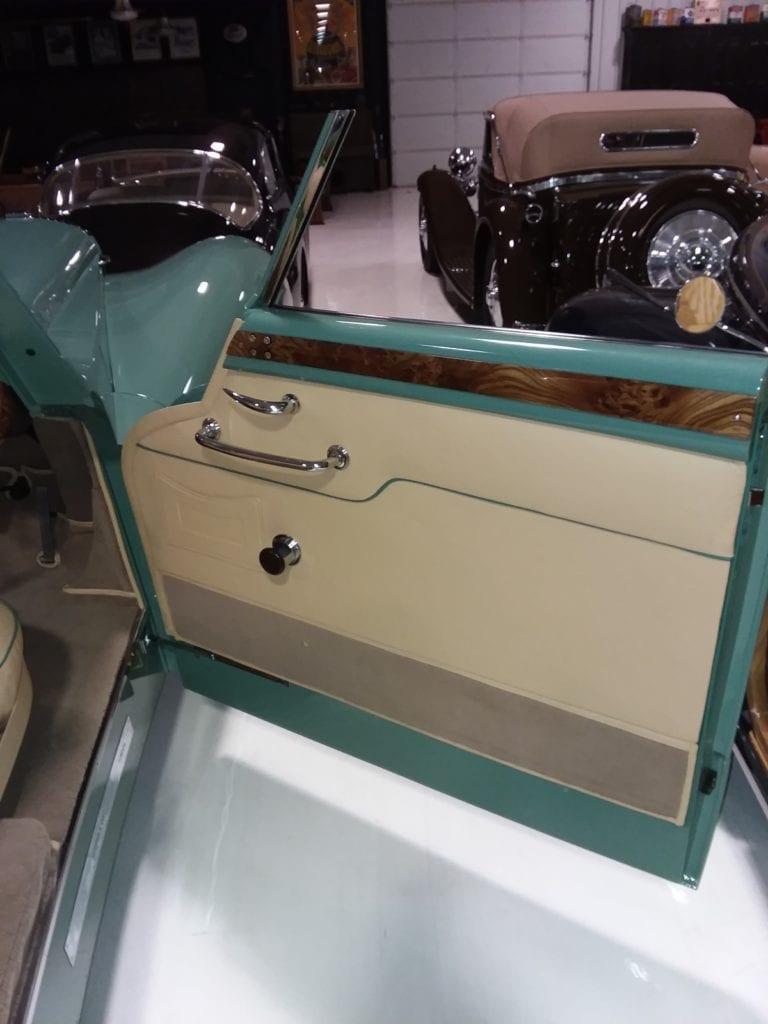 1948 Daimler DE36 door
